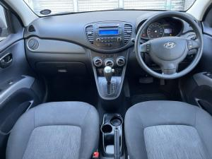 Hyundai i10 1.1 Motion auto - Image 8