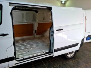 Ford Transit Custom panel van 2.2TDCi 92kW LWB Ambiente - Image 6