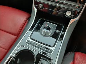 Jaguar XE 25t R-Sport - Image 15
