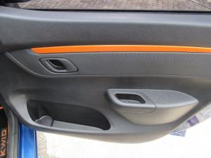 Renault Kwid 1.0 Climber 5-Door automatic - Image 4