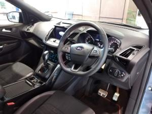 Ford Kuga 2.0T AWD ST Line - Image 6