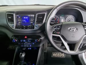 Hyundai Tucson 2.0CRDi Elite - Image 13