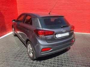 Hyundai i20 1.4 Fluid auto - Image 12