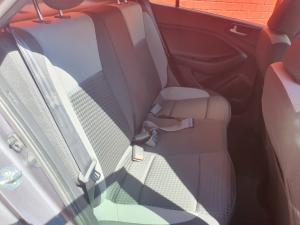 Hyundai i20 1.4 Fluid auto - Image 7