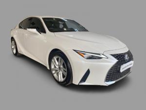 Lexus IS 200T EX/300 EX - Image 1