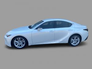Lexus IS 200T EX/300 EX - Image 3