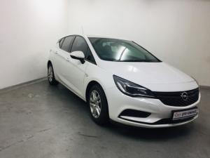 Opel Astra hatch 1.0T Essentia - Image 12