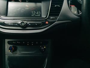 Opel Astra hatch 1.0T Essentia - Image 14