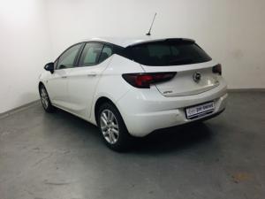 Opel Astra hatch 1.0T Essentia - Image 3
