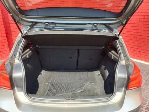 BMW 1 Series 118i 5-door auto - Image 15