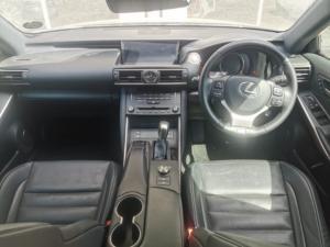 Lexus IS 350 F-Sport - Image 11