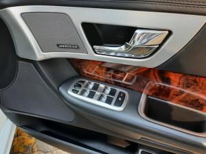 Jaguar XF 2.0 i4 Premium Luxury - Image 10