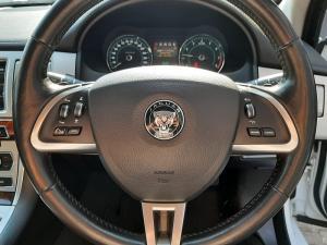 Jaguar XF 2.0 i4 Premium Luxury - Image 12