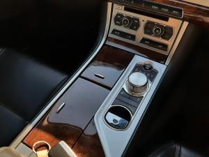 Jaguar XF 2.0 i4 Premium Luxury - Image 13