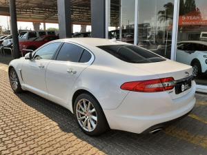 Jaguar XF 2.0 i4 Premium Luxury - Image 3