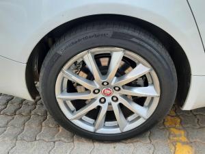 Jaguar XF 2.0 i4 Premium Luxury - Image 8