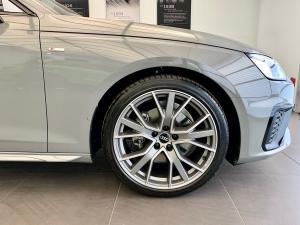 Audi A4 40TFSI S line - Image 3