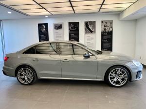 Audi A4 40TFSI S line - Image 4
