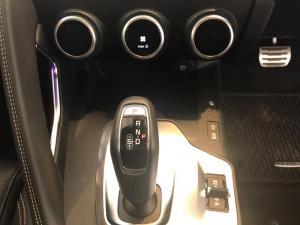 Jaguar E-PACE D180 2.0D SE - Image 10