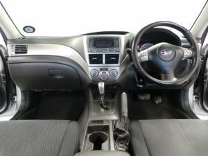 Subaru Impreza 2.0 R sedan auto - Image 11