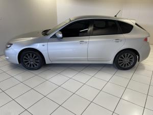 Subaru Impreza 2.0 R sedan auto - Image 2