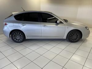 Subaru Impreza 2.0 R sedan auto - Image 5