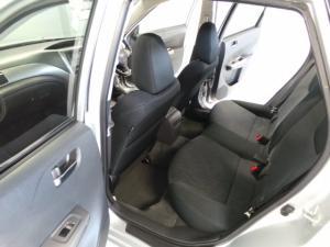 Subaru Impreza 2.0 R sedan auto - Image 8