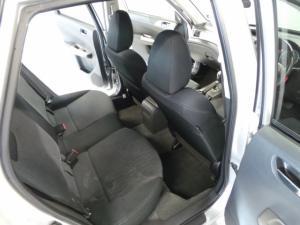 Subaru Impreza 2.0 R sedan auto - Image 9