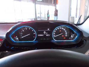 Peugeot 2008 1.2T Allure auto - Image 13