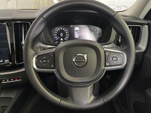Volvo XC60 T5 AWD Momentum - Image 10