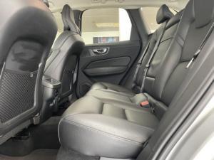 Volvo XC60 T5 AWD Momentum - Image 6