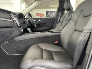 Volvo XC60 T5 AWD Momentum - Image 7