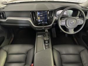 Volvo XC60 T5 AWD Momentum - Image 8