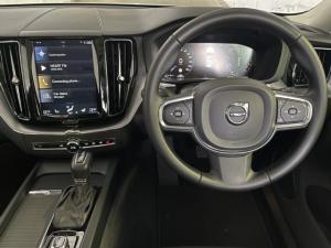 Volvo XC60 T5 AWD Momentum - Image 9