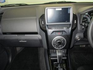 Isuzu MU-X 3.0D automatic - Image 12