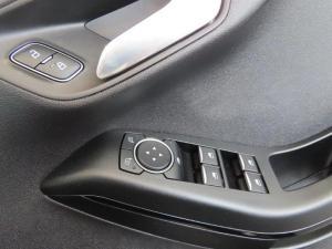 Ford Fiesta 1.0 Ecoboost Trend 5-Door automatic - Image 19