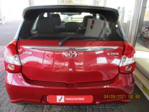 Toyota Etios hatch 1.5 Sport - Image 3