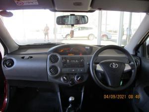 Toyota Etios hatch 1.5 Sport - Image 6