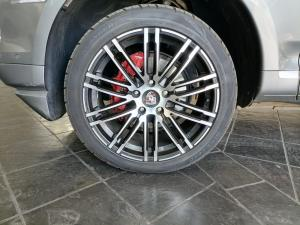 Porsche Cayenne Tiptronic - Image 14