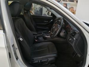 BMW 3 Series 320i Luxury auto - Image 11