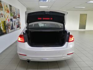 BMW 3 Series 320i Luxury auto - Image 5