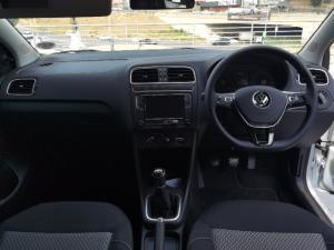 Volkswagen Polo Vivo hatch 1.6 Highline - Image 10