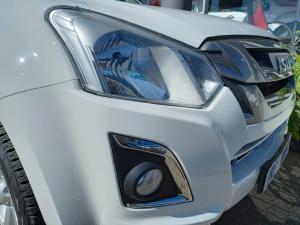 Isuzu D-Max 250 double cab X-Rider auto - Image 16