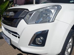 Isuzu D-Max 250 double cab X-Rider auto - Image 17