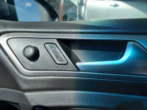 Volkswagen Golf 1.0TSI Trendline - Image 18