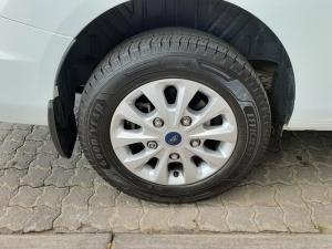 Ford Tourneo Custom 2.2TDCi LWB Trend - Image 10