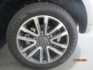 Ford Everest 2.0D BI-TURBO LTD 4X4 automatic - Image 8