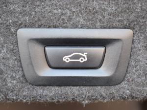 BMW 5 Series 528i - Image 13