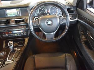 BMW 5 Series 528i - Image 16