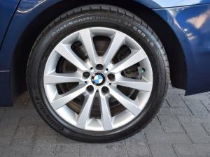 BMW 5 Series 528i - Image 9